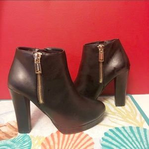 👢 Juicy Couture Black Heel Ankle Boots NWOT